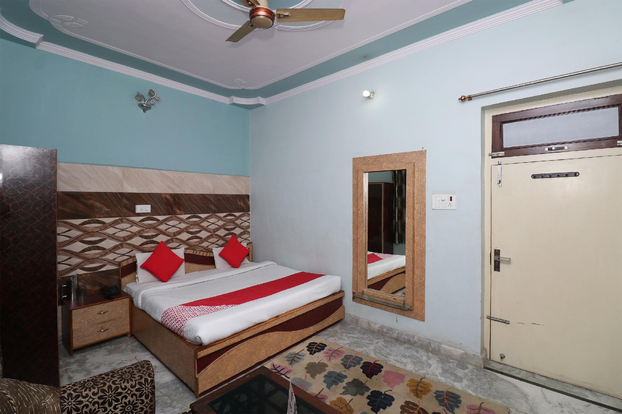 OYO 29309 Hotel Taj Palace