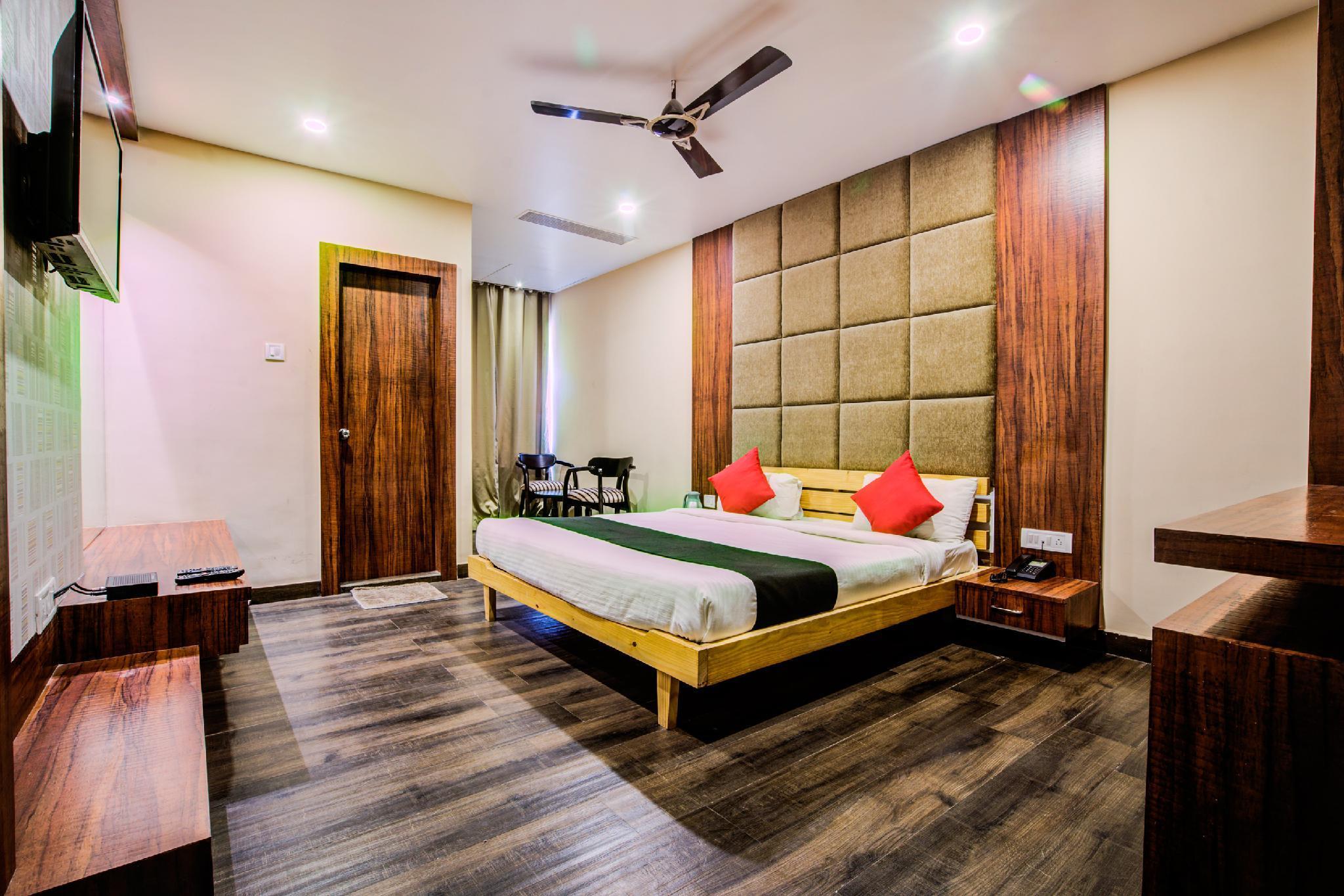 Capital O 35367 Hotel West Inn