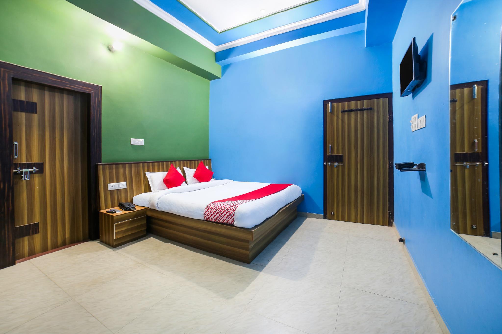 OYO 29719 Hotel Raj Vilas Garden