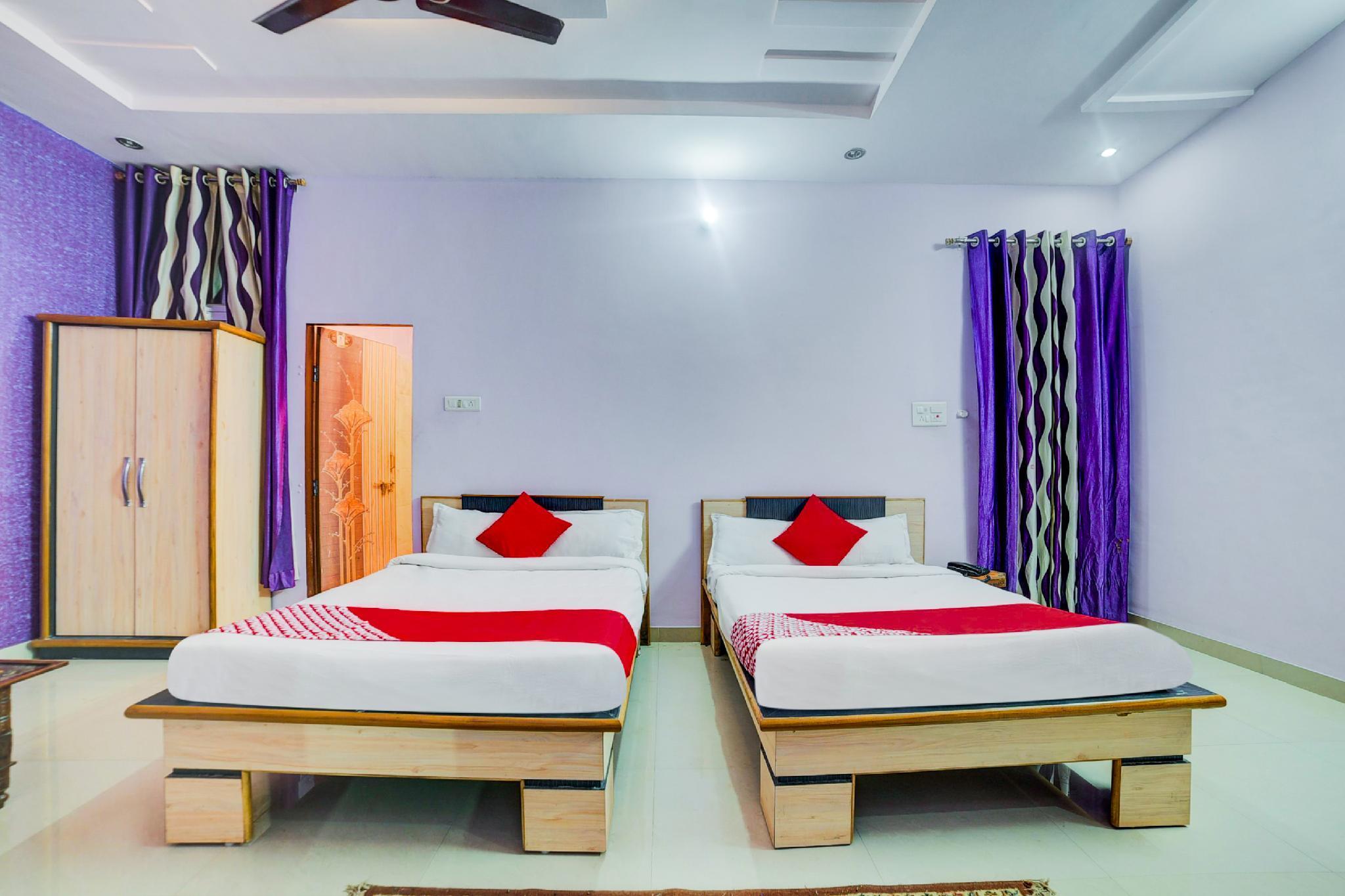 OYO 30578 Hotel Raj Kanak
