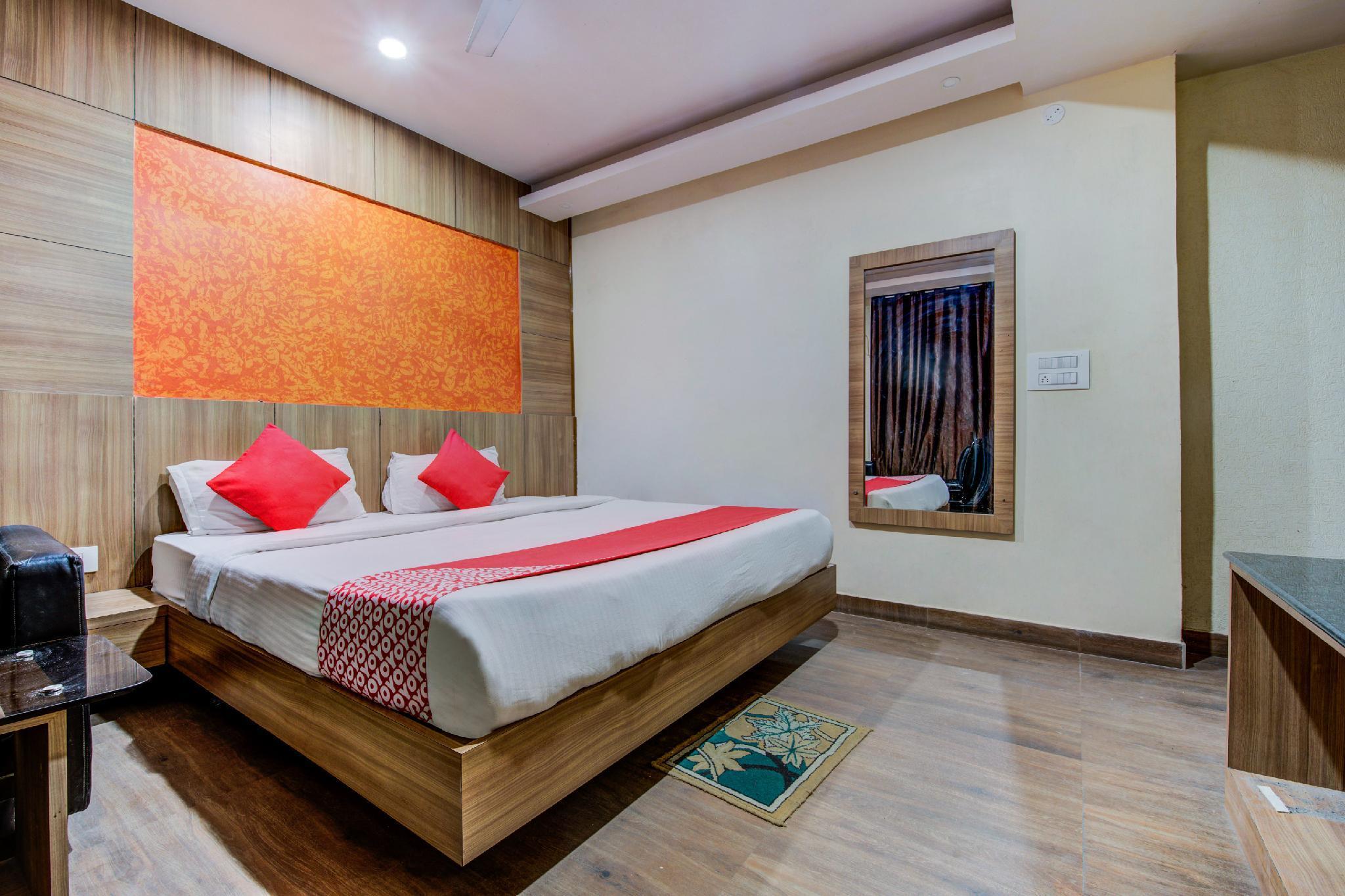 OYO 8405 Hotel Prakash Residency