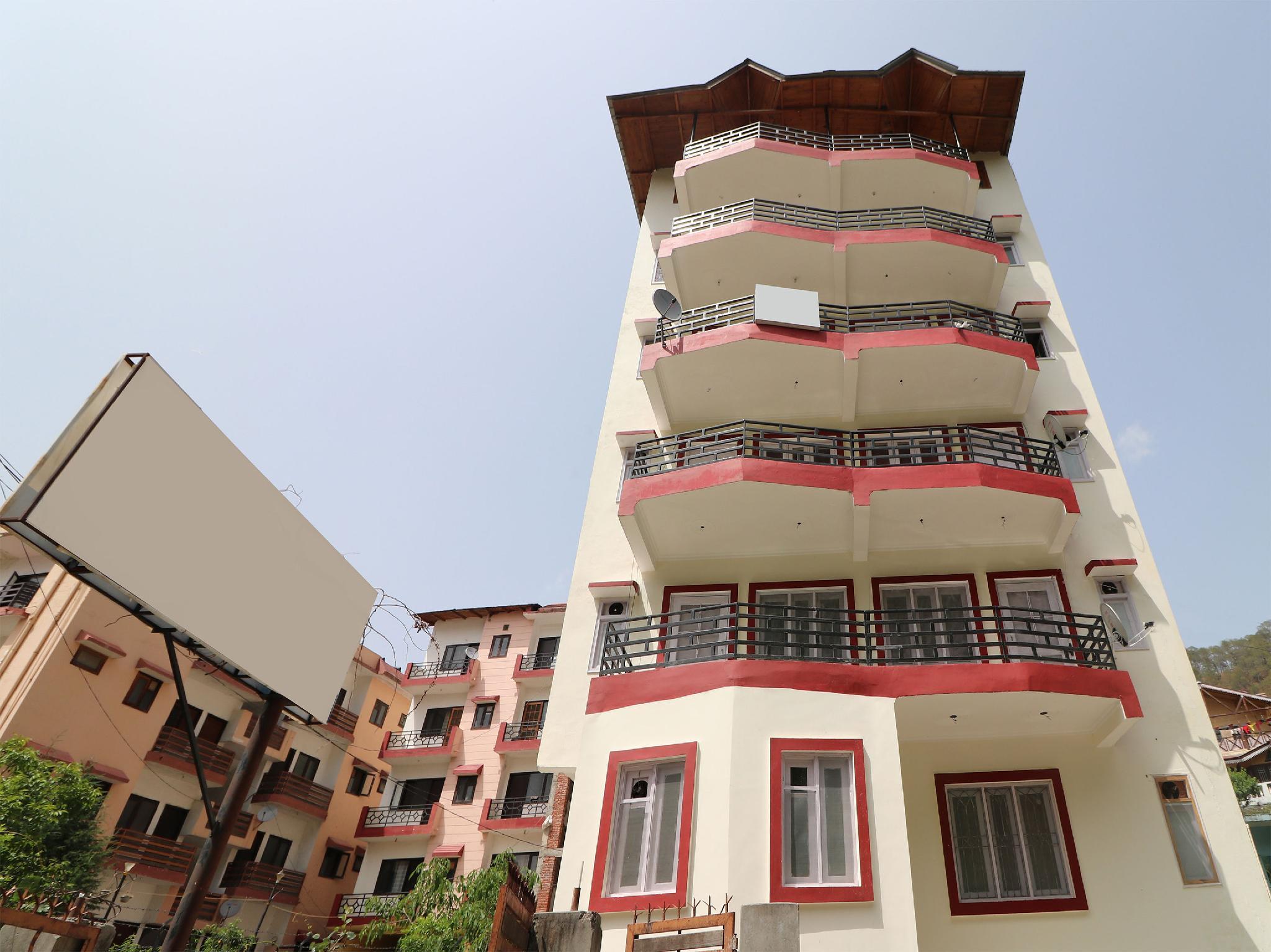 OYO 14124 Apartment