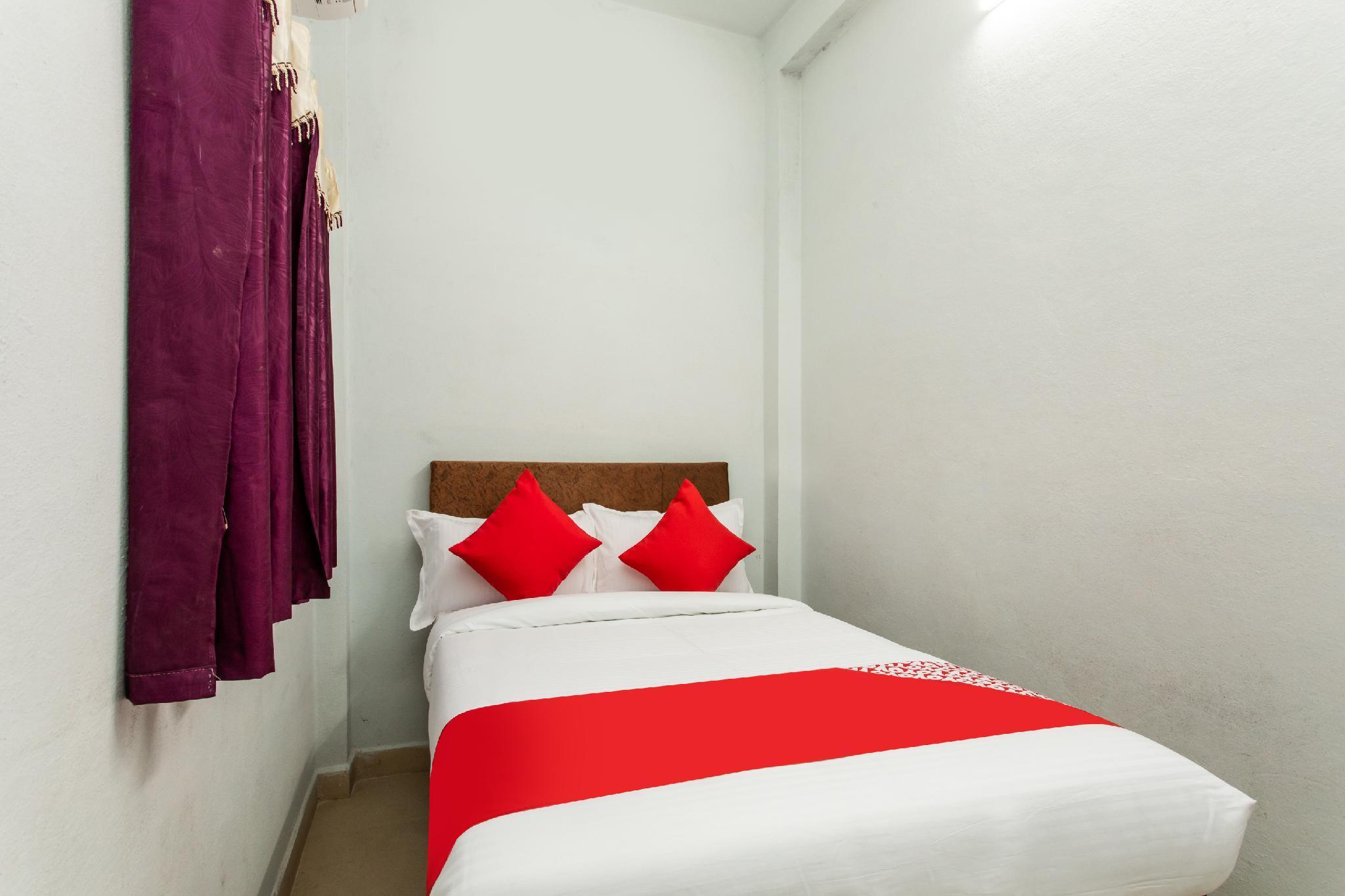 OYO 28472 Hotel Shree Palace