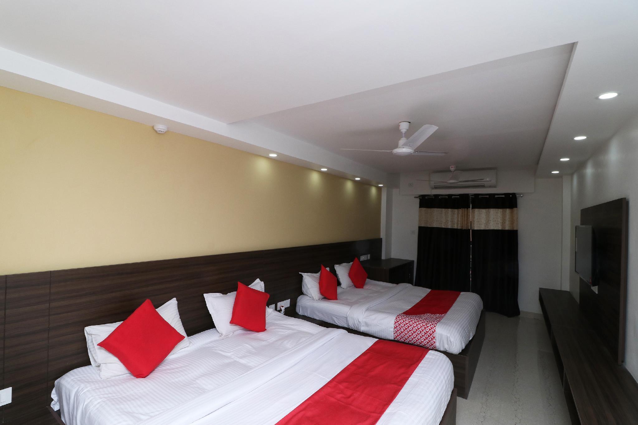 OYO 29611 Ramanuj Mansion