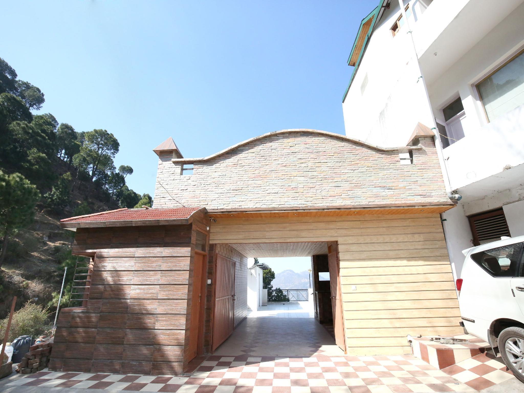 OYO 12170 Rustic Villa