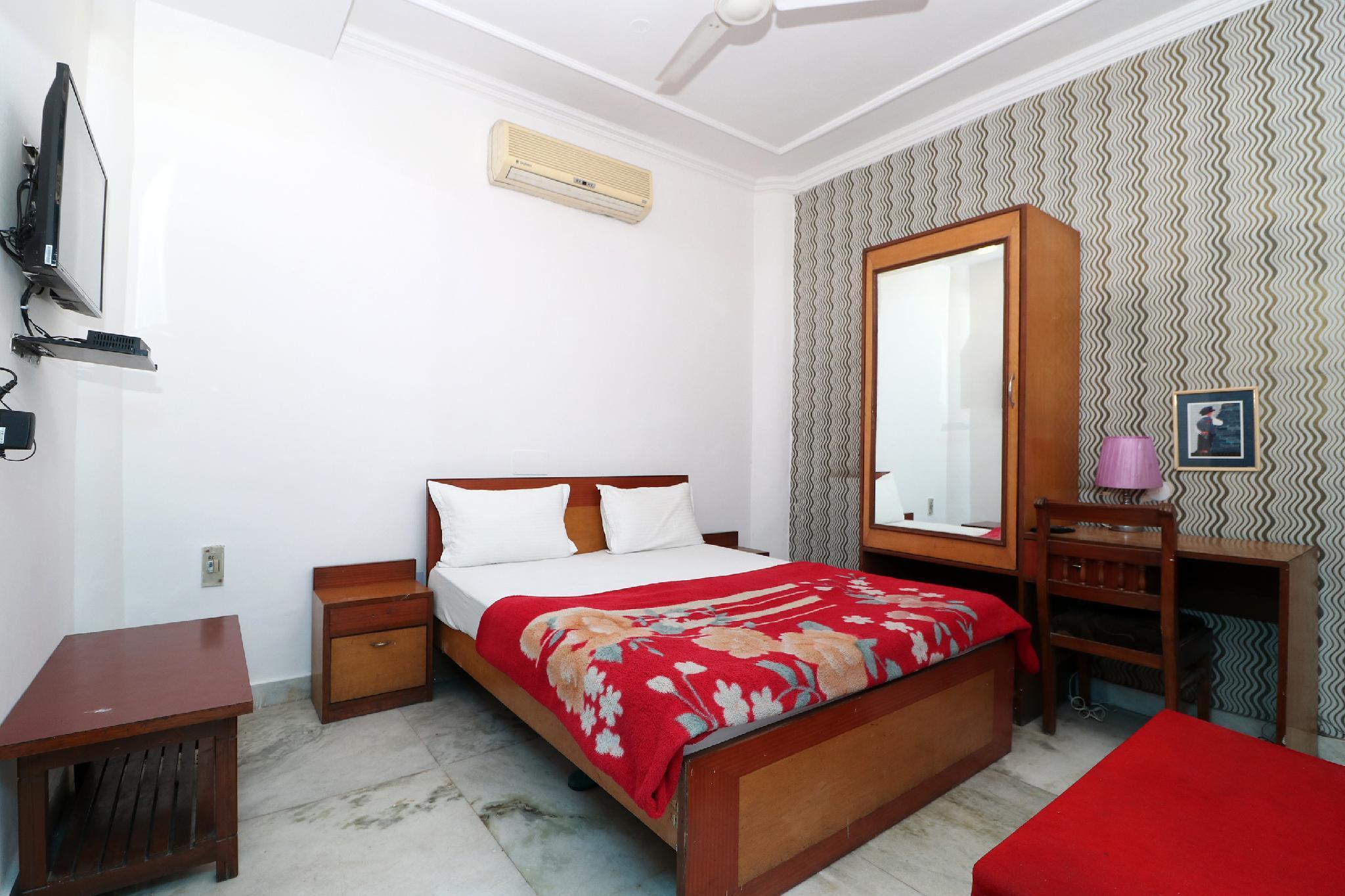 SPOT ON 2848 Hotel Richa Palace
