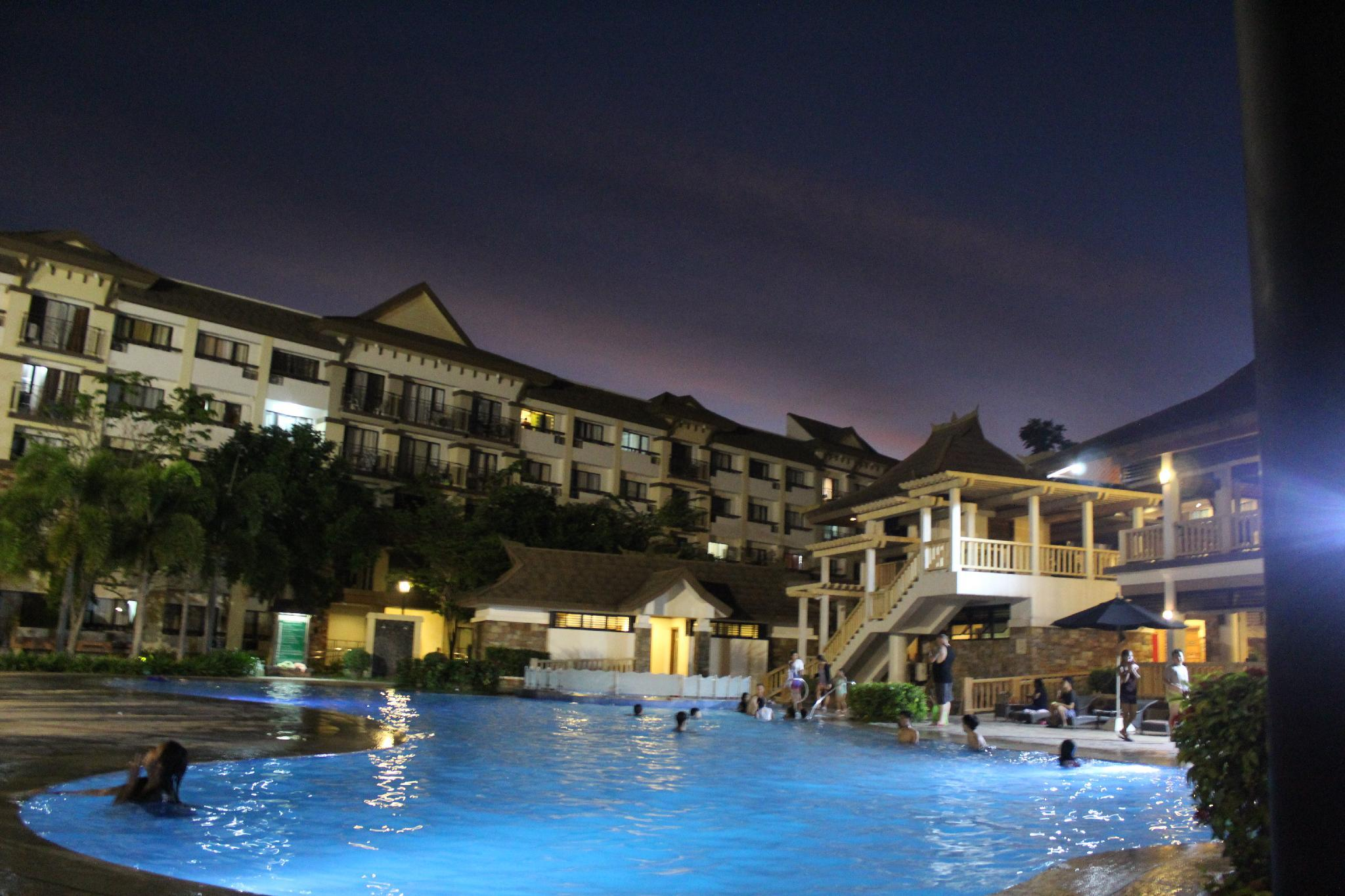 ONE OASIS A4 FREE POOL BACK OF SM MALL DAVAO