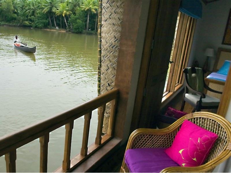 The Lotus   Houseboat