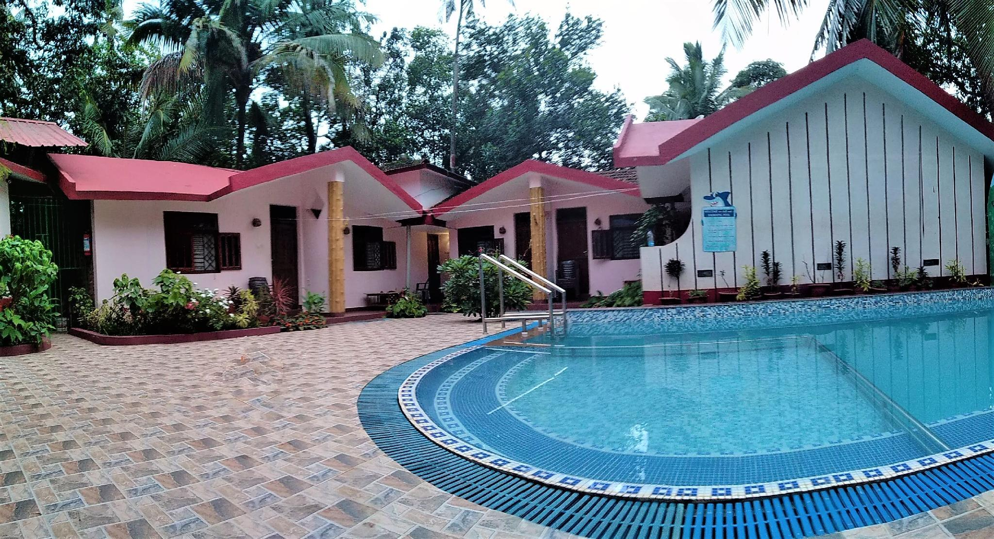 Hotel Boons Ark Resort With Swimming Pool