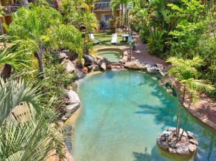 Cairns Rainbow Resort Cairns - Pool and Spa