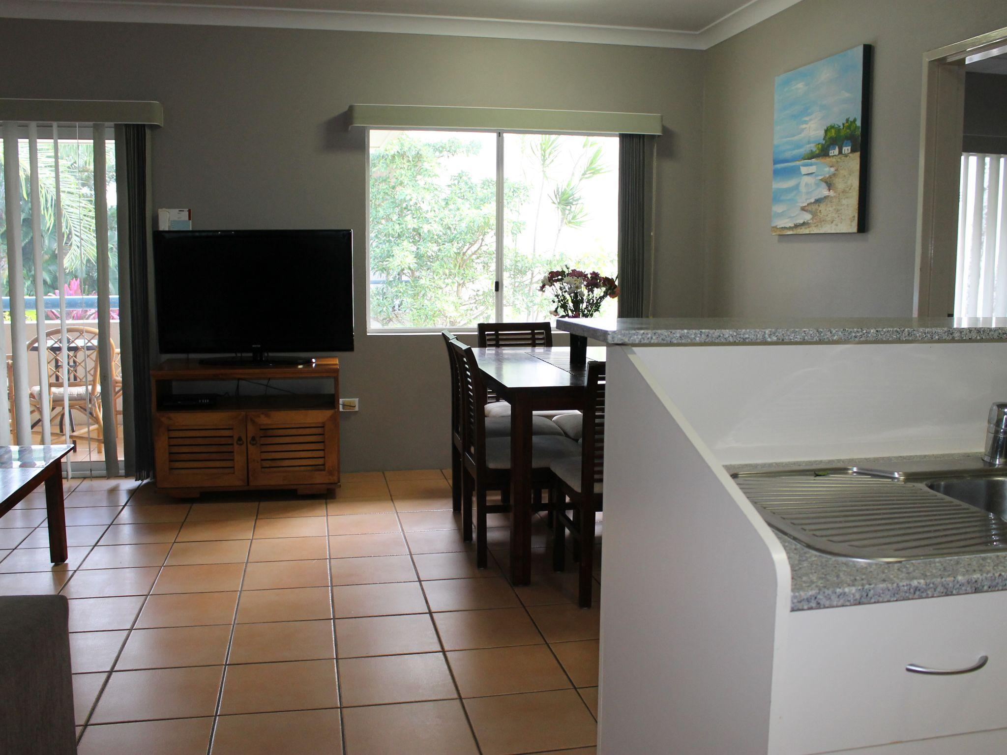 Reviews Cairns Reef Apartments & Motel