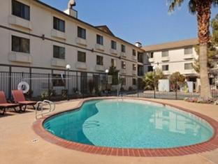Super 8 Ellis Island Casino & Hotel- Las Vegas Strip Area Las Vegas (NV) - Swimming Pool