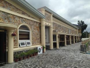 W Clark Hotel & Resort