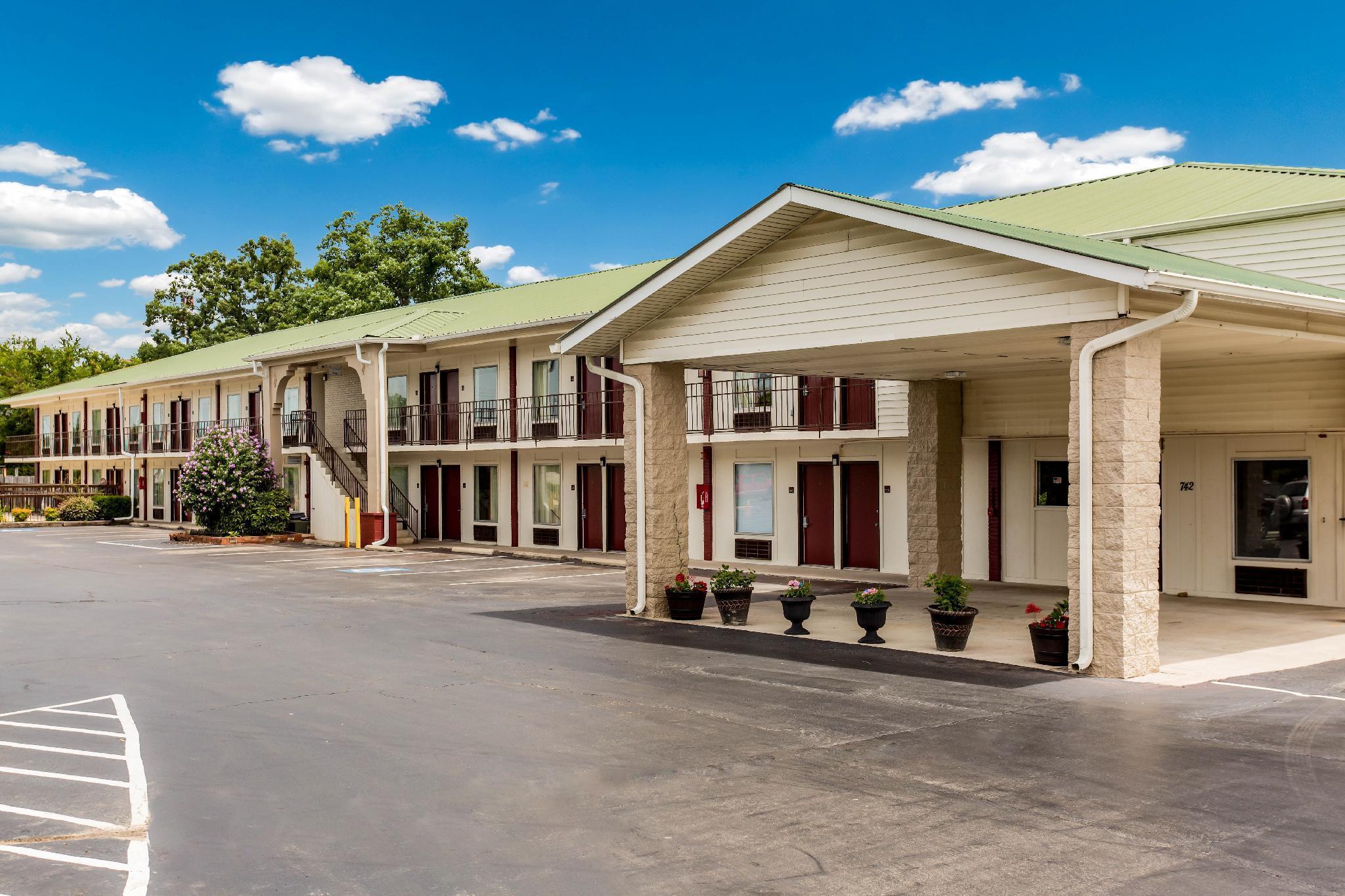 Red Roof Inn Monteagle   I 24