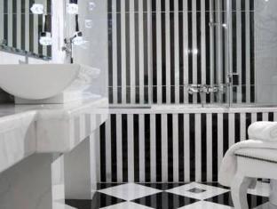 Magna Grecia Boutique Hotel Athens - Bathroom