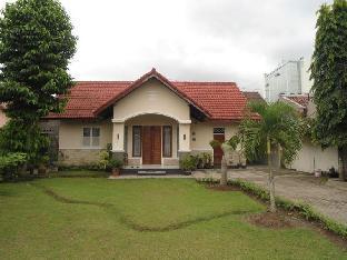 Dolphin House Yogyakarta