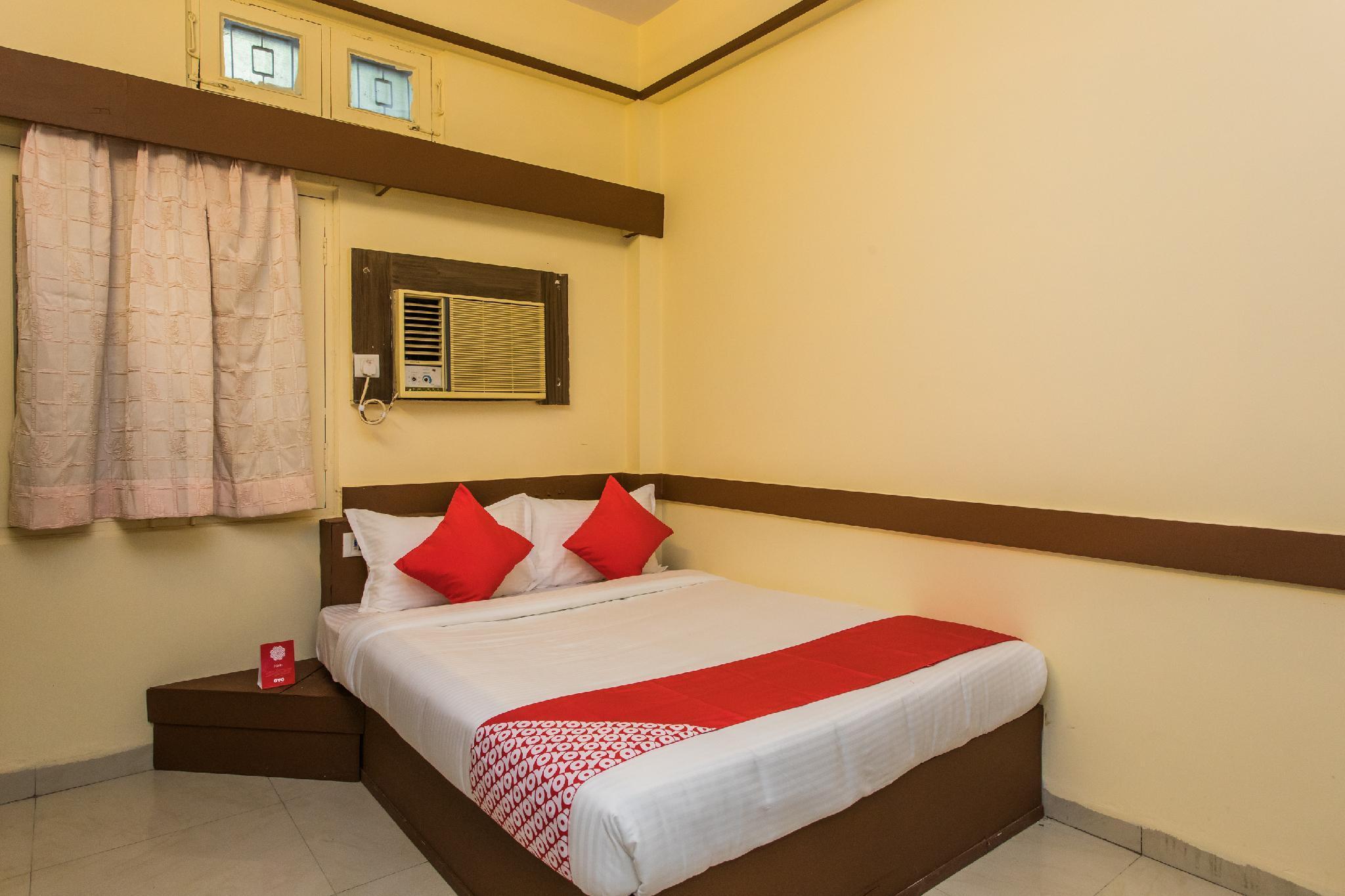 OYO 15401 Hotel Surana Palace