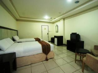 Crown Regency Residences Cebu Hotel Cebu City - Superior Deluxe