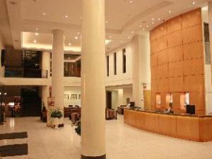 โรงแรมสุพรีมคอนเวนชั่นพลาซ่า (Hotel Supreme Convention Plaza)