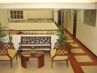 El Rico Suites Hotel Manila - Hallway of 2nd Floor