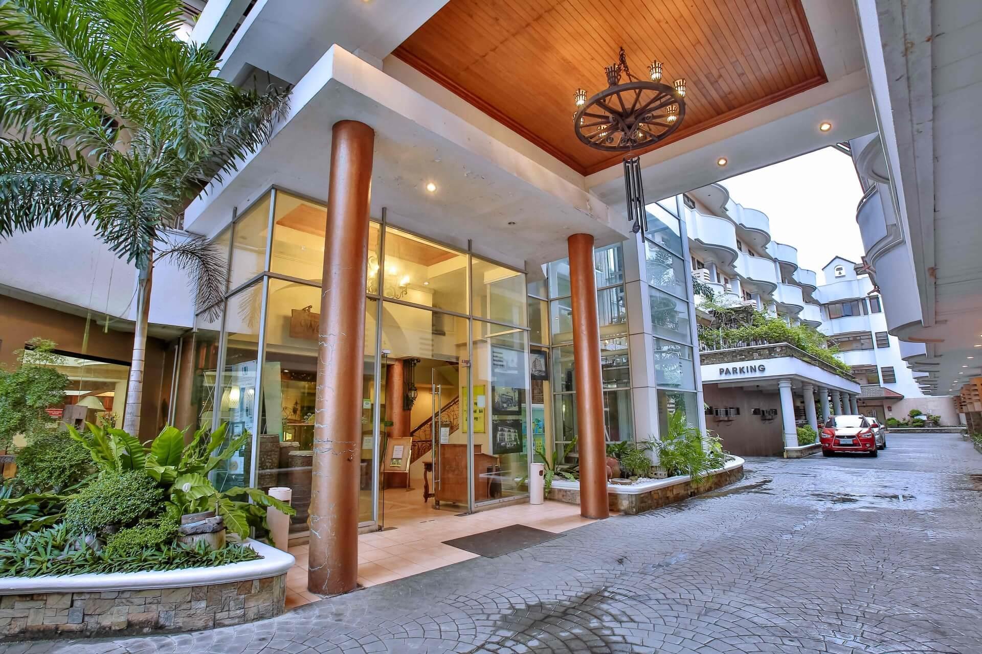 Crown Regency Residences Cebu Hotel