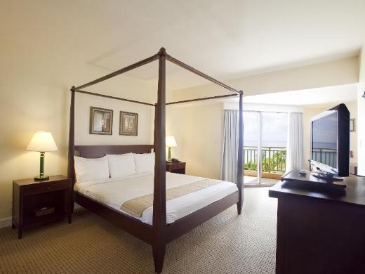 Holiday Resort & Spa