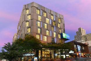 Holiday Inn Express Bangkok Sukhumvit 11 ฮอลิเดย์ อินน์ เอ็กซ์เพรส กรุงเทพ สุขุมวิท 11