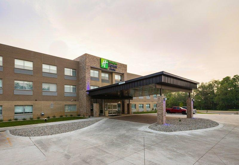 Holiday Inn Express And Suites Portage