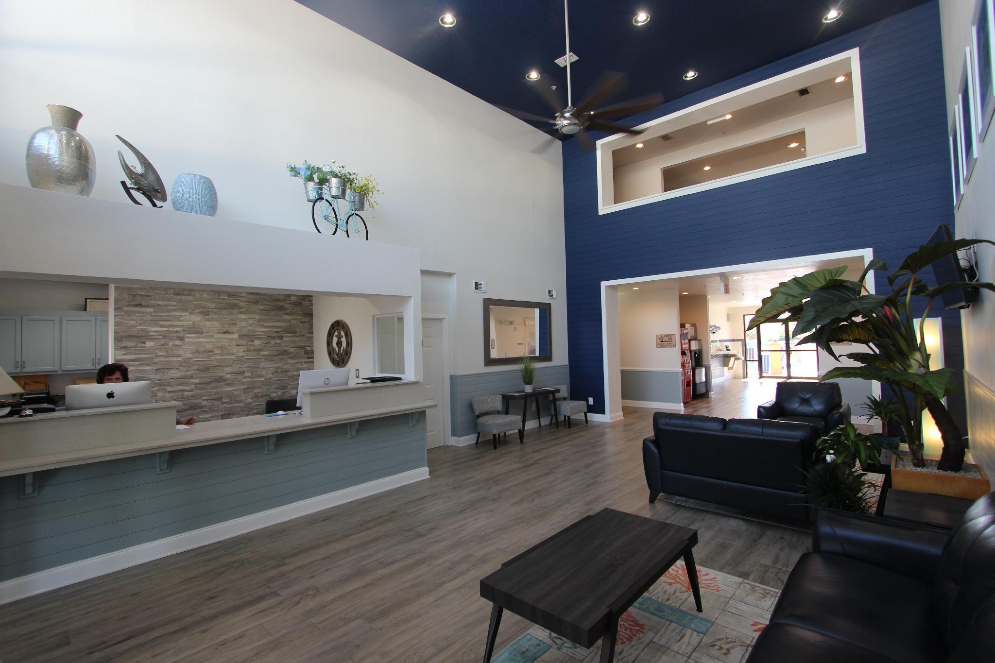 Luxury Suites Of Pensacola
