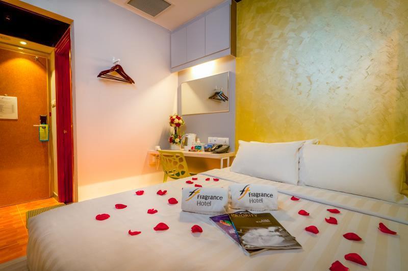 Fragrance Hotel   Rose