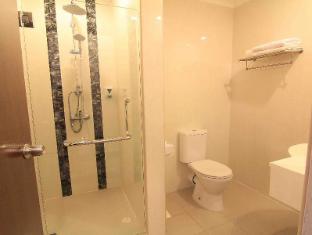 The Metropolitan Y Hotel Singapore - Standard Bathroom