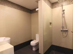 The Metropolitan Y Hotel Singapore - Deluxe - Bathroom