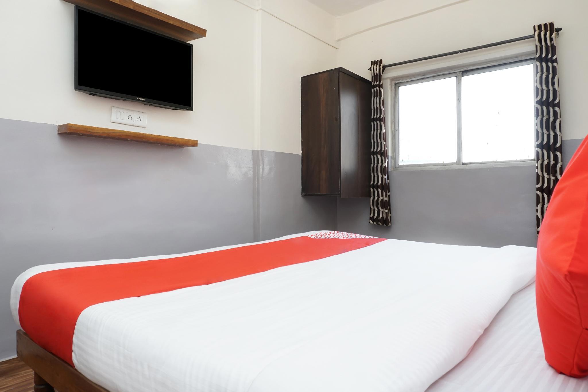 OYO 36705 Laxmi Lodge New