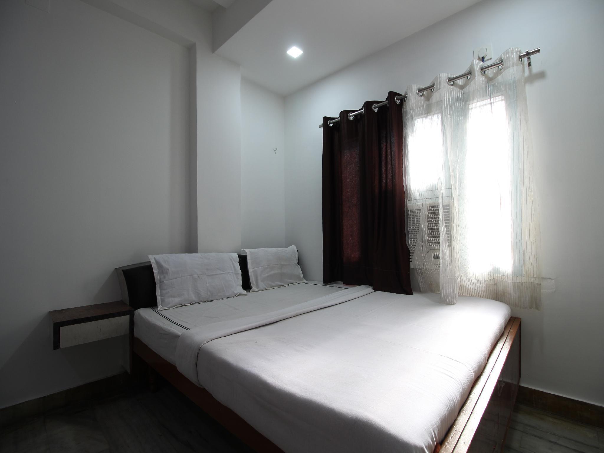 SPOT ON 33472 Hotel Shreenath And Bar