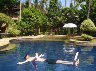 罗维纳红毛丹酒店 巴厘岛 - 游泳池