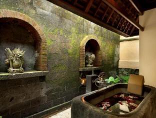 Komaneka at Tanggayuda Ubud Bali - Bathroom