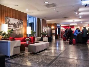 Radisson Blu Royal Hotel Helsinki Helsinki - Reception