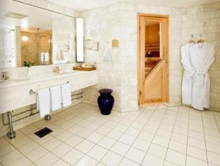 Radisson Blu Royal Hotel Helsinki Helsinki - Royal Suite's Bathroom