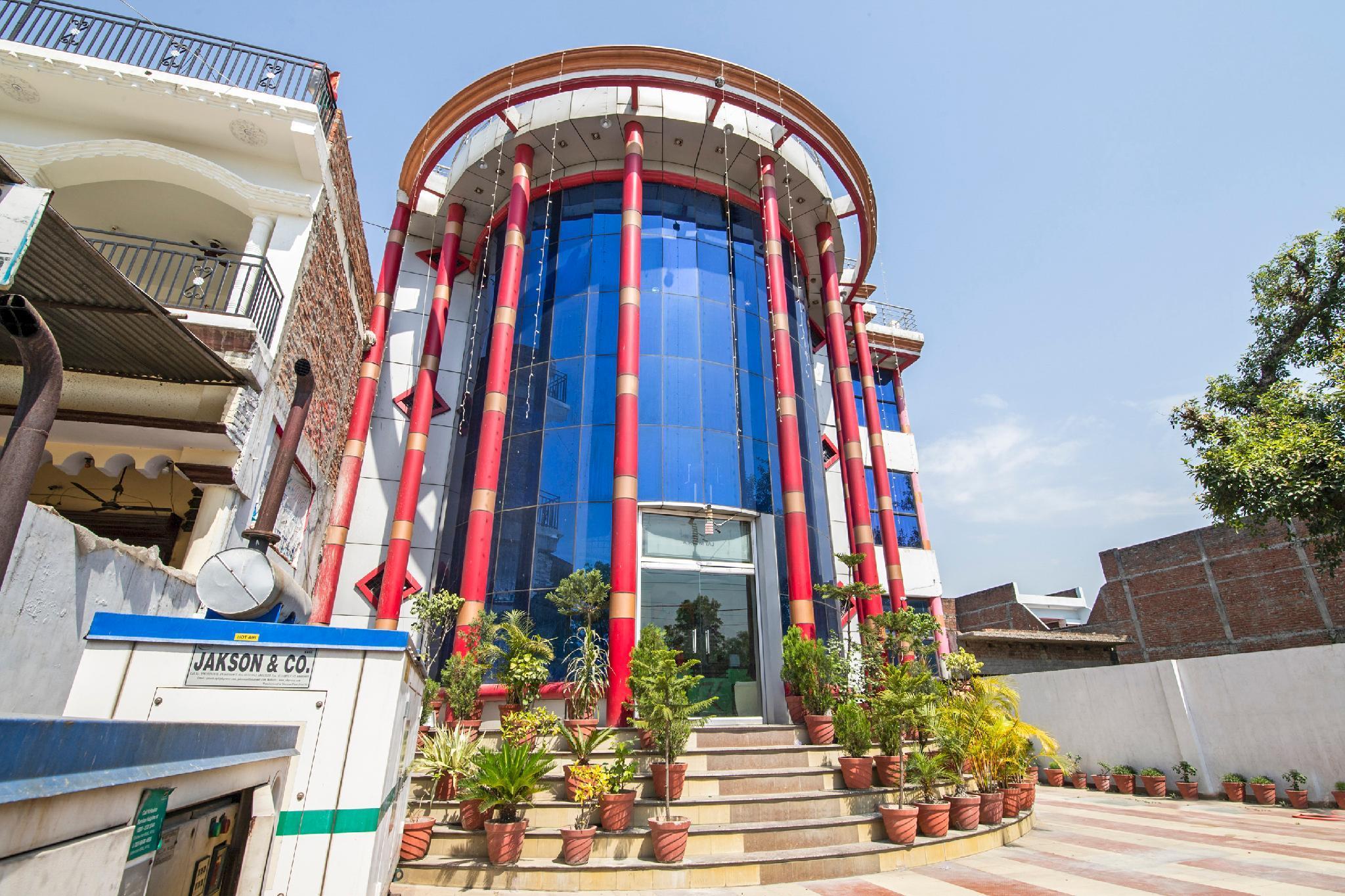 SPOT ON 38740 Hotel Kky Of Taj