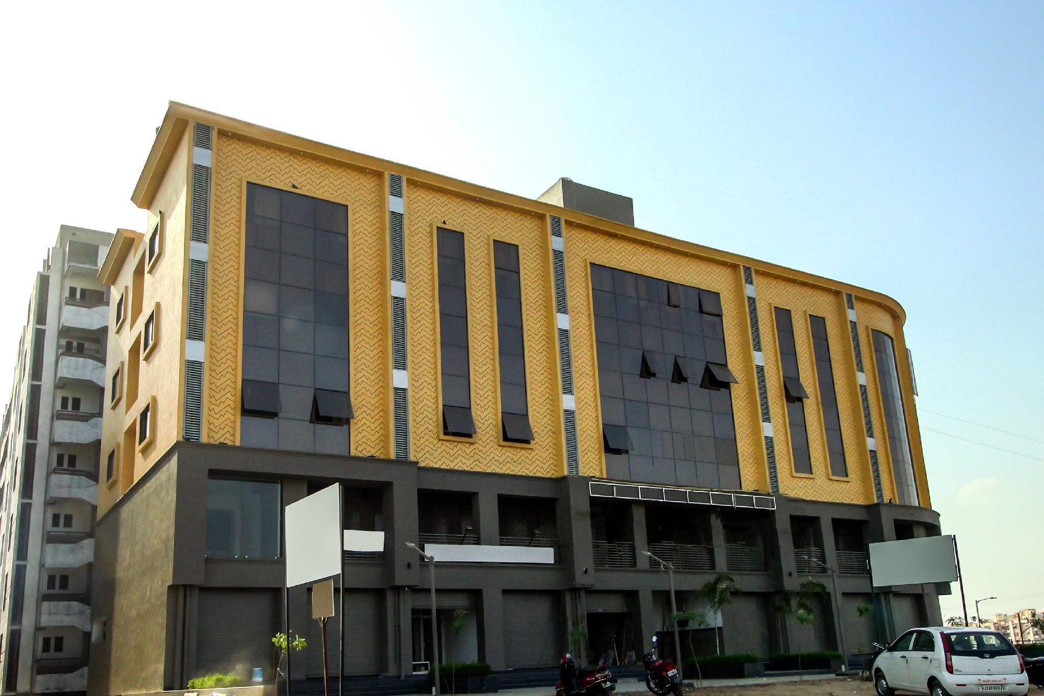 OYO 8864 Hotel Royal City