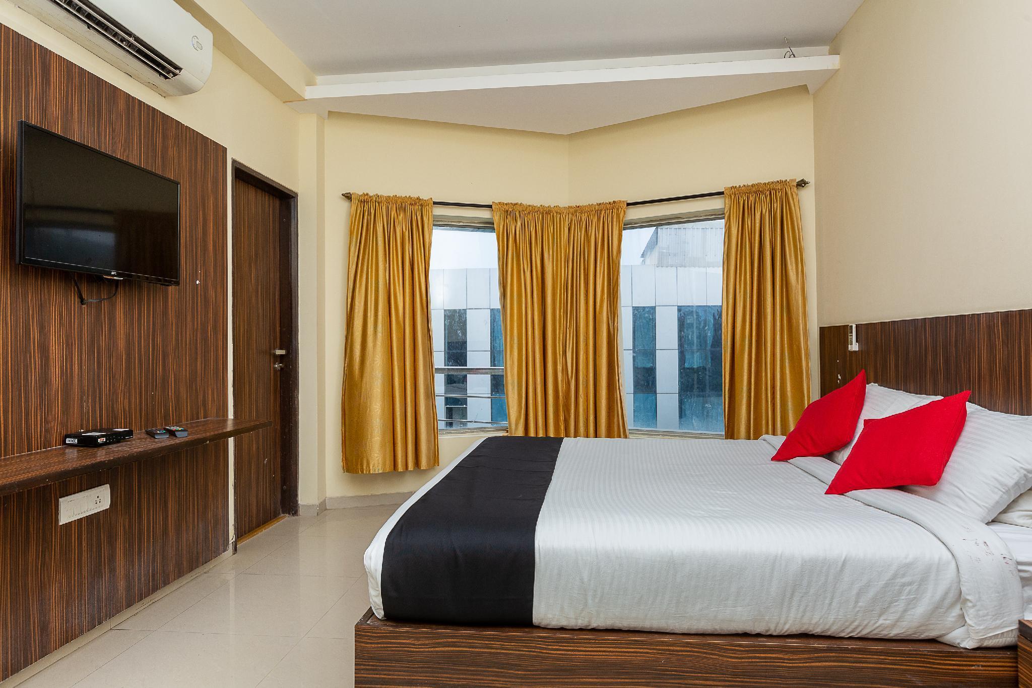 Capital O 39441 The Country Club Jade Beach Resort