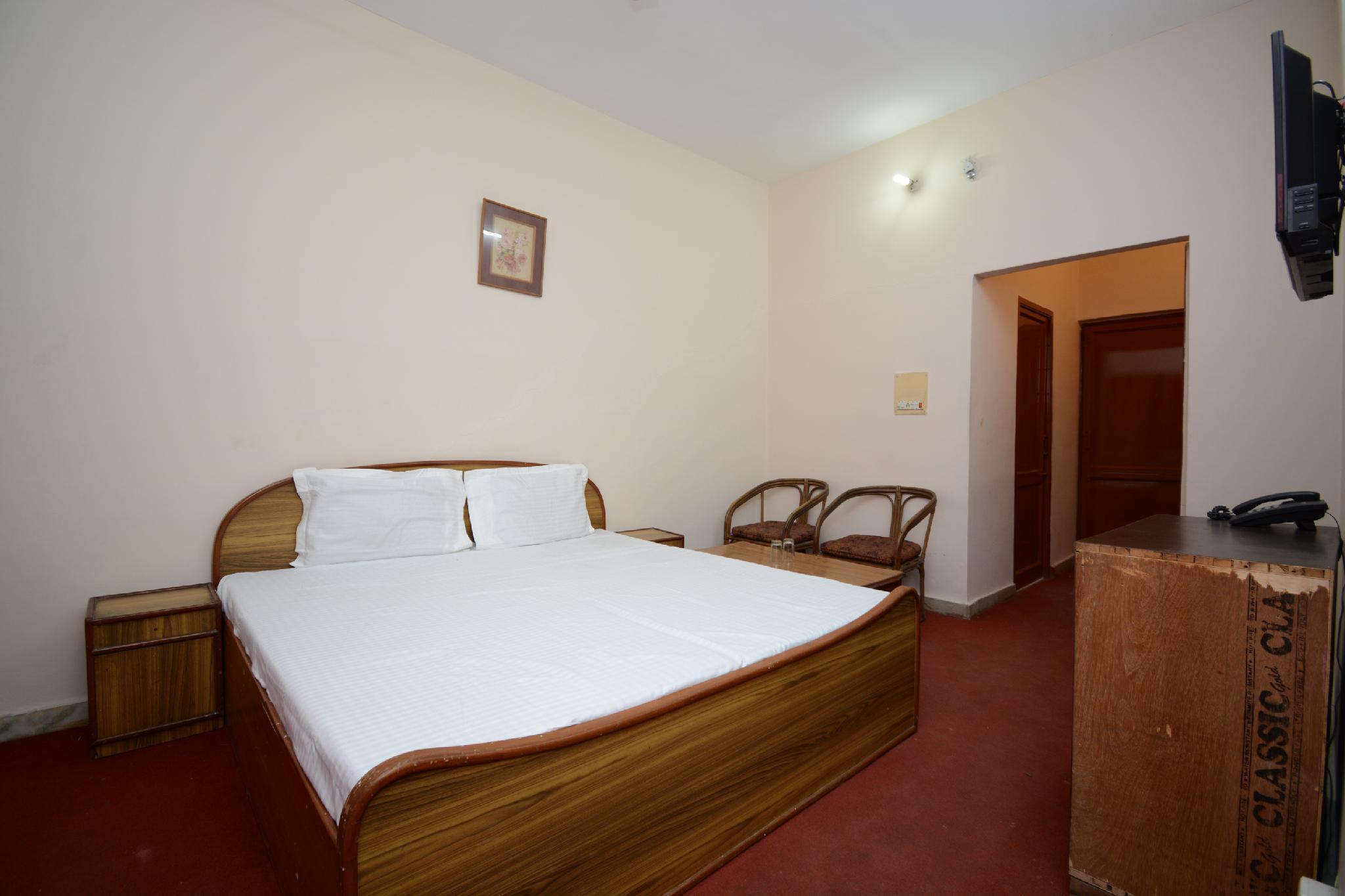 OYO 37159 Hotel Tanveer