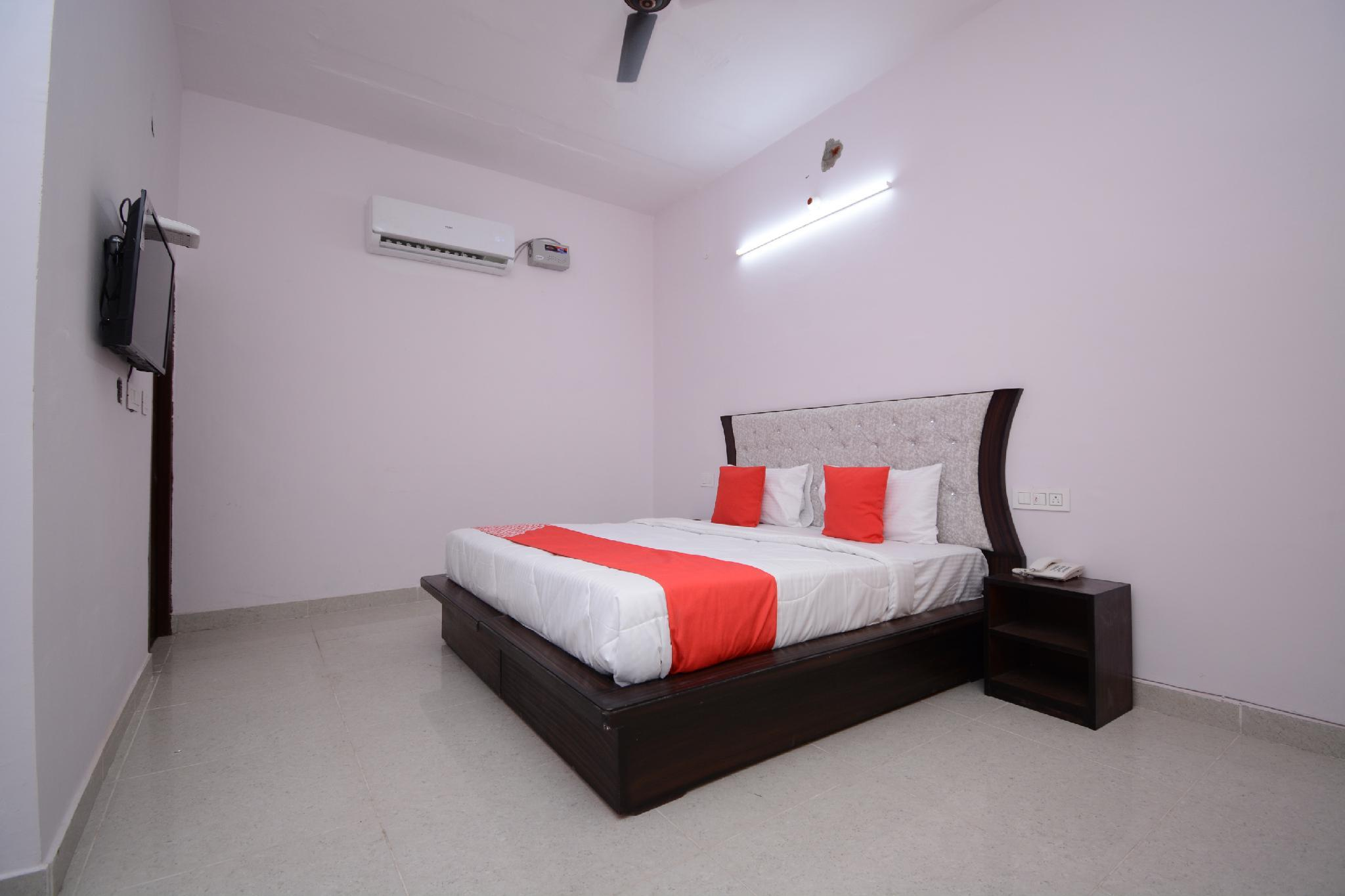 OYO 30898 Hotel KDM