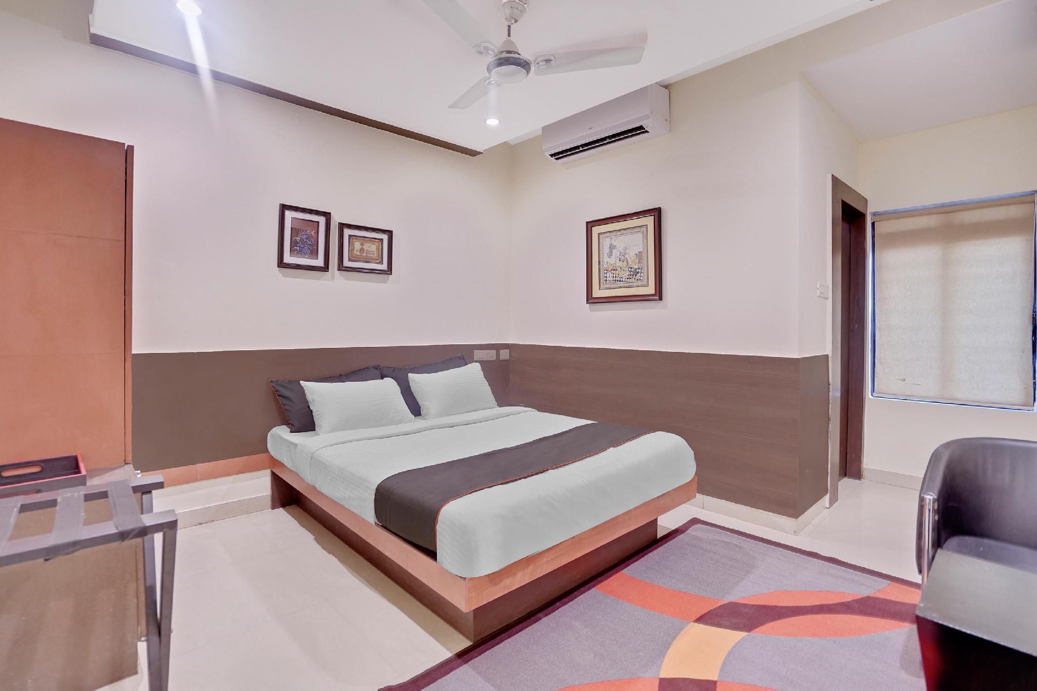 Collection O 30111 Hotel Miland Palace Cuttak Rd