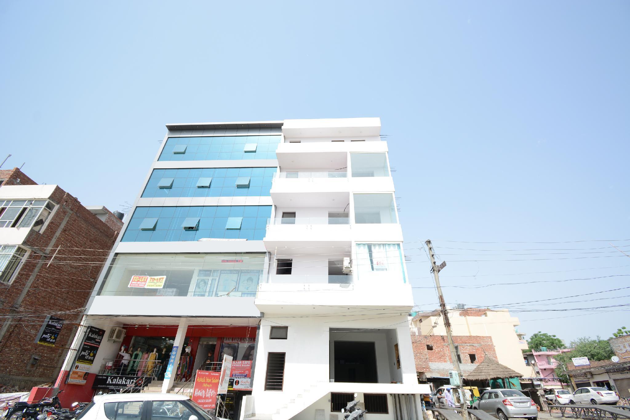 OYO 30900 Hotel 70