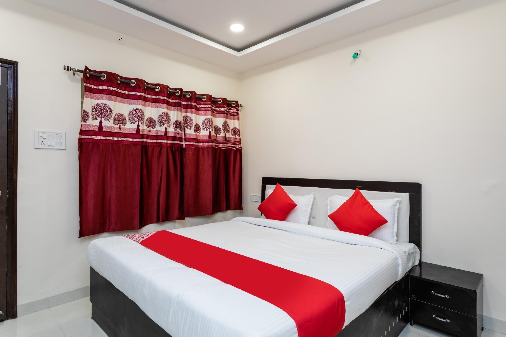 OYO 36548 Hotel Star 21