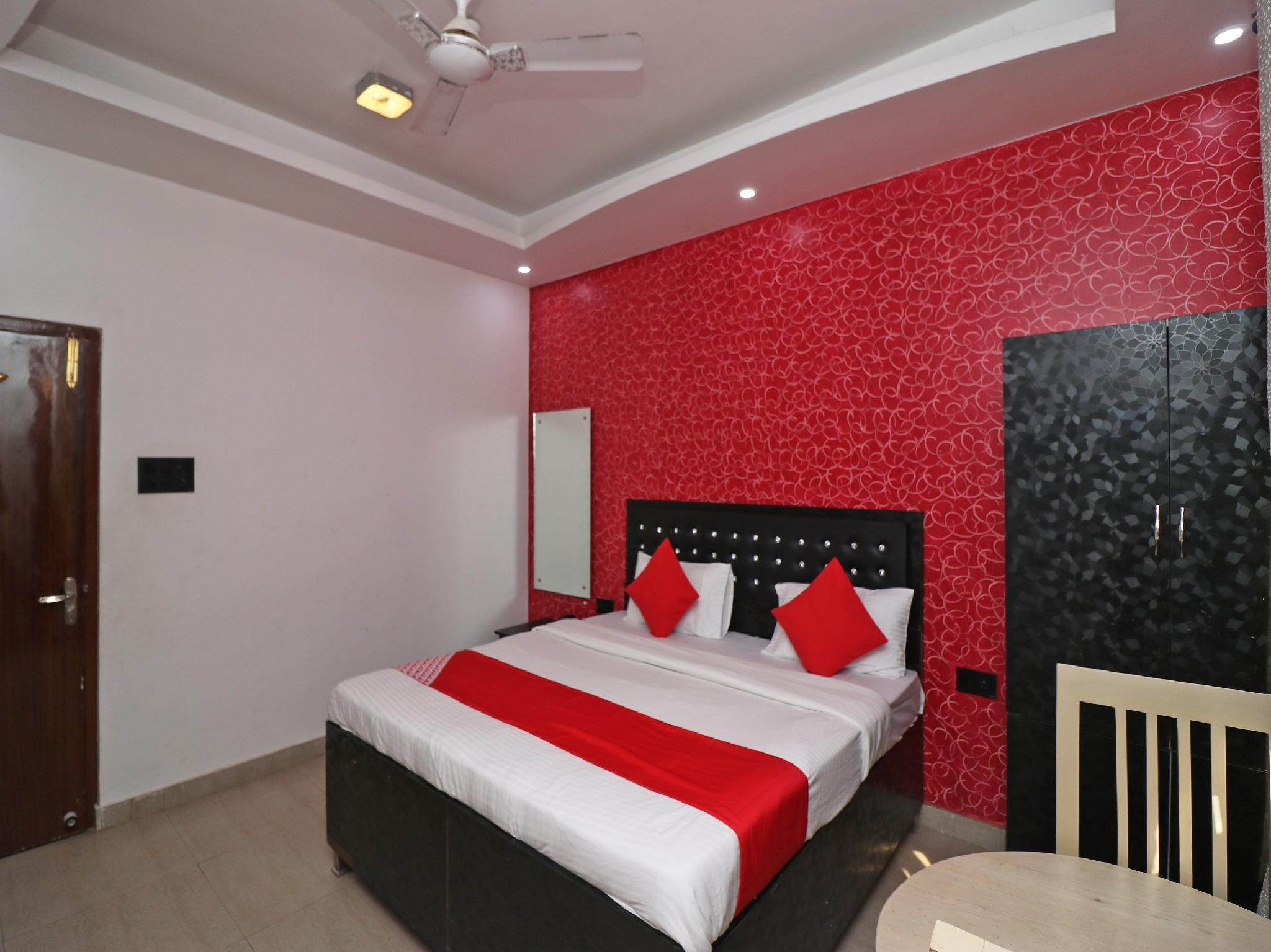 OYO 33002 Mansi Guest House
