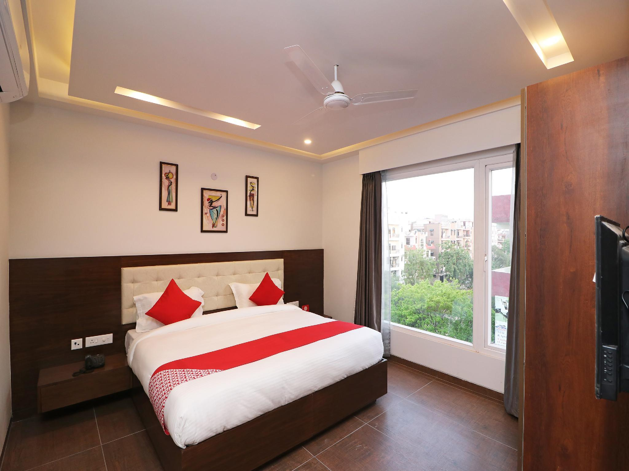 Oyo 37722 Silver Oak Luxury Comfort Inn