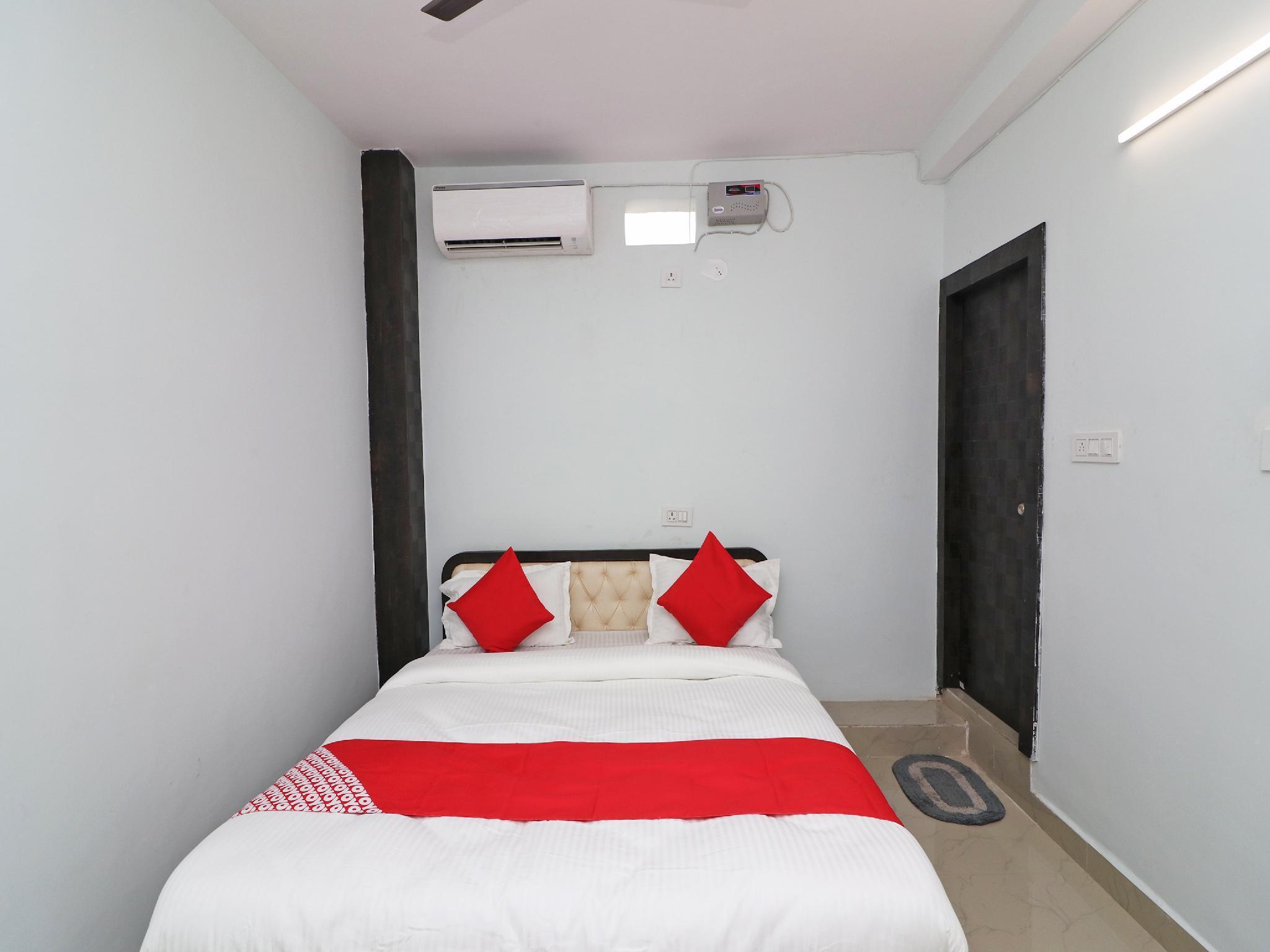 OYO 36697 Royal Inn