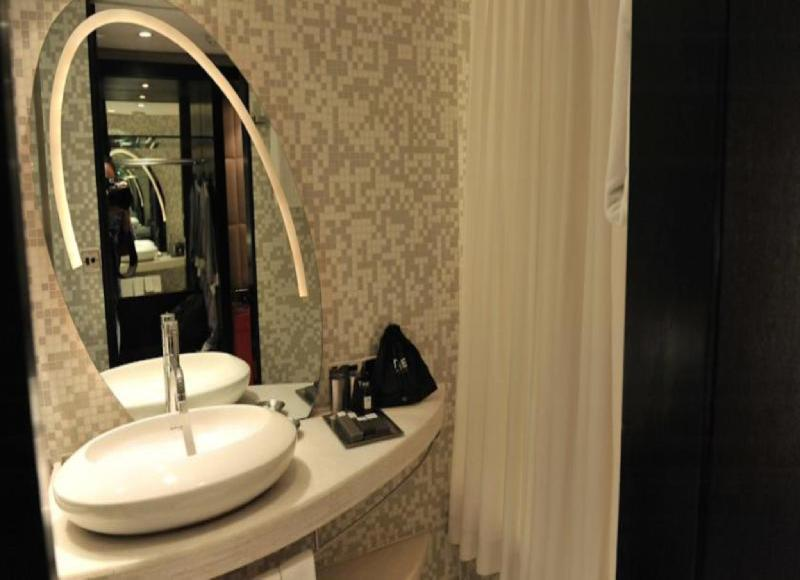 Bathroom Mirror Kolkata the park kolkata hotel, calcutta, india overview | priceline